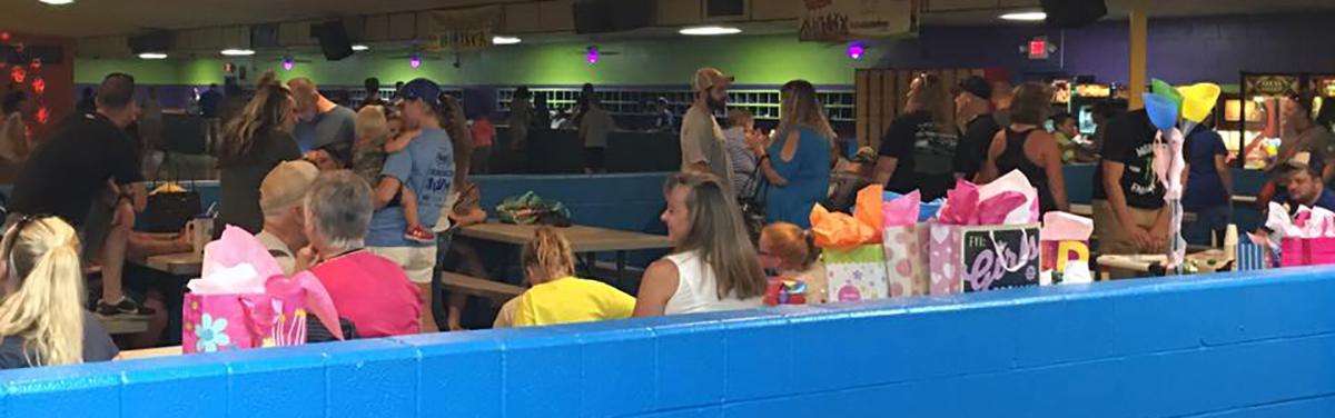 groups of families at Northland Rolladium Skate Center